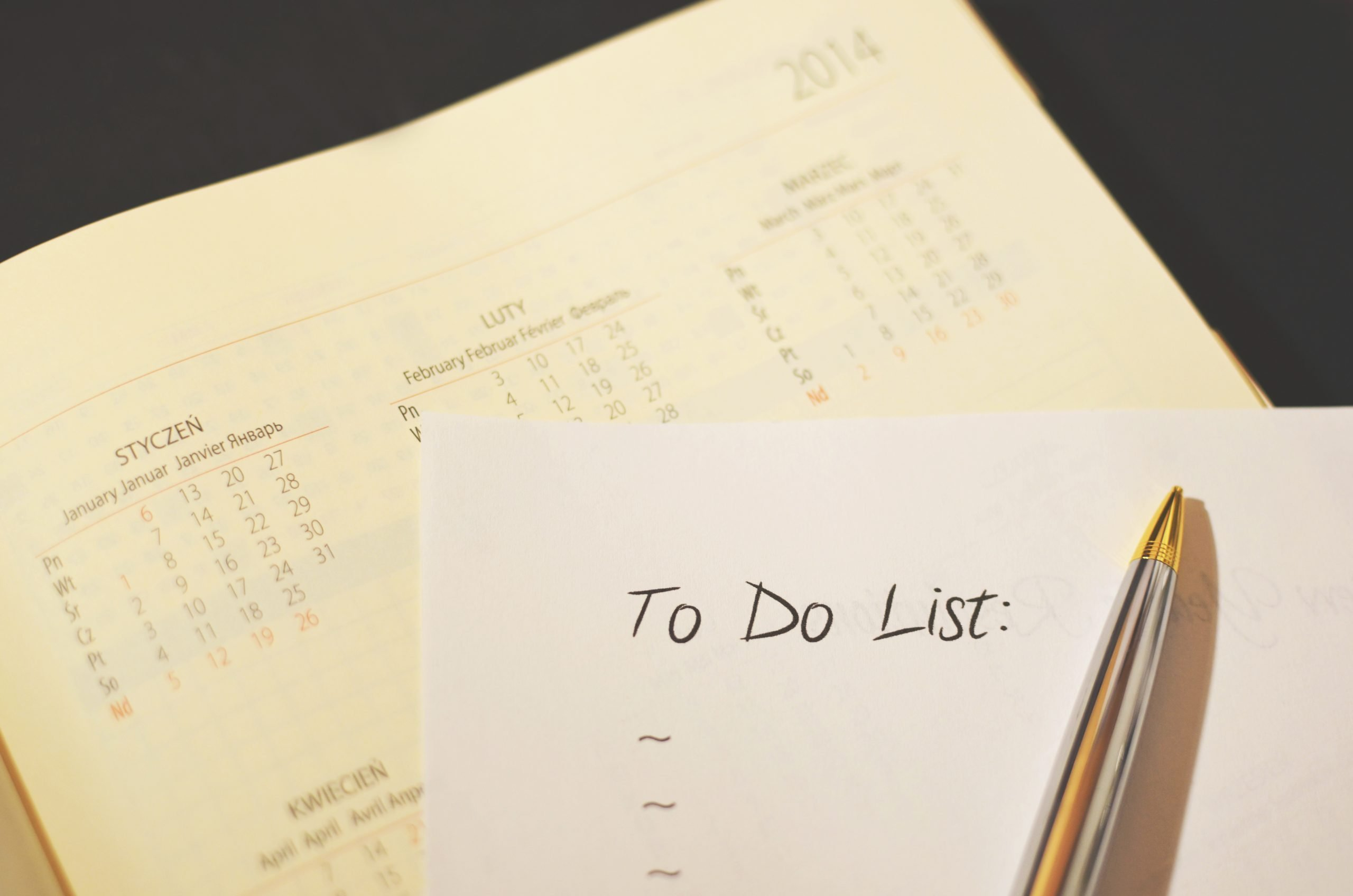 Image of a calendar, pencil and to-do list for IPEDS planning